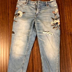 Abercrombie girlfriend jean, NWOT, size 12.